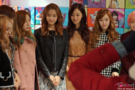 130102 SNSD At Lotte Young Plaza Pop Up Store