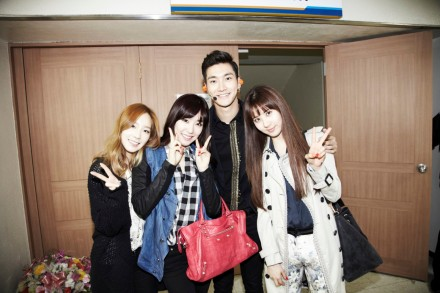 130324 Taeyeon Tiffany Seohyun with Siwon at Super Show 5 from LINE